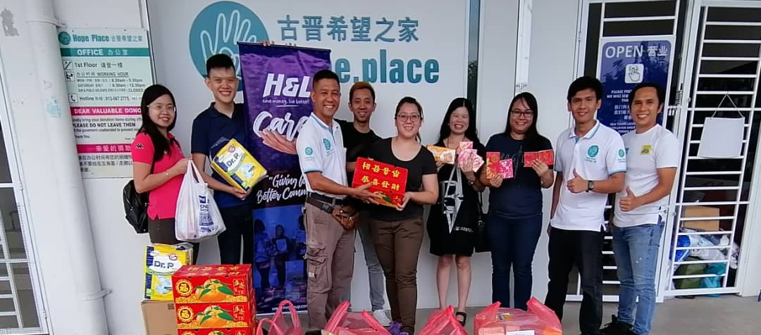 H&L Treat The Needy In Conjunction With CNY